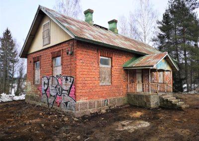 Talon piha on siistiytynyt raivauksen jälkeen (kuva TNT Putki)