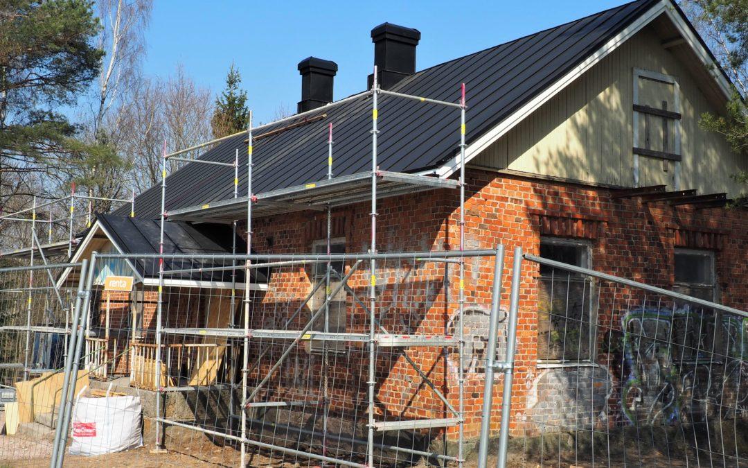 Talon tarina – Vanhan Muuralantien talo on saanut uuden katon