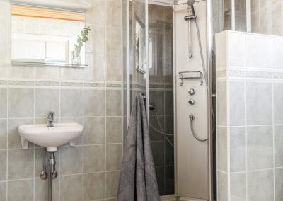Lakiaukio 4 kylpyhuone