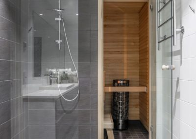 Haukitie_suihku ja sauna_putkiremontti tehty_Teemu Oukari