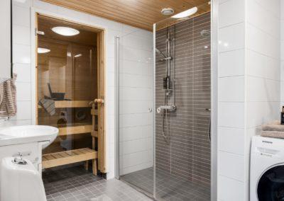 Matinpuronkuja 2_kylpyhuone ja sauna