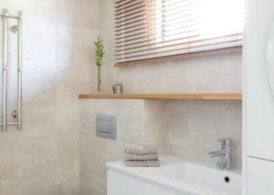 Vehkamäki_kylpyhuoneen säilytyskaluste
