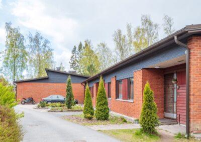 Vehkamäki_talo sivulta