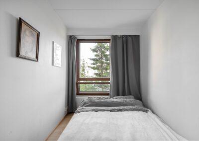 Harjannetie_makuuhuoneen vehreät näkymät
